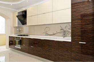 Площадь кухни: 6 м2 Материал фасадов: МДФ ламинированный Материал столешницы: ДСП